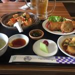中華ダイニングバル ぱんだ - 麻婆丼と中華天ぷら ハーフ 900円