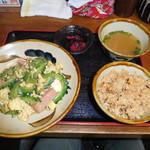 沖縄そば食堂 海辺のそば屋 - ゴーヤチャンプル