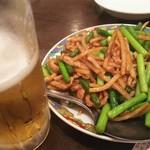 四川料理 食為鮮 - 豚肉にんにくの芽炒め