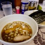 麺工 小烏丸 - 限定 煮干つけ麺。900円