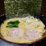 鶏番長 - 料理写真:豚骨醤油