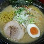 さっぽろ麺屋 文太郎 - 麺をひっぱりだし