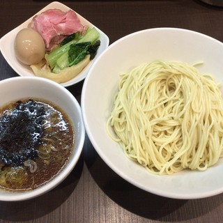麺屋りゅう - 料理写真:冷やし煮干しつけめん + 味玉