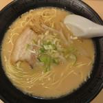 楽勝ラーメン - ラーメン390円