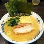 麺屋 だるま - 料理写真:ラーメン並 濃いめ多め。¥720