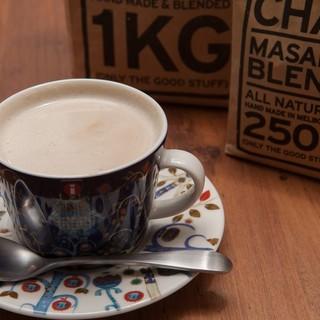 「イッタラ」のカップでいただくコーヒーはまた格別