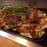たるや鉄板焼 - 焼きそば(細麺)