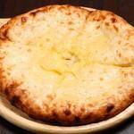 シバーダイニング - チーズナン