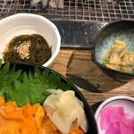 海鮮処 かふか - 地物の海蘊(もずく) 浅蜊の山葵味噌和え