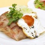 スポーティフ カフェアンドレストラン - スポーティフカフェ特製 蒸し鶏とチャーシューのせ海南鶏飯