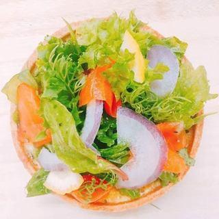 青森県産野菜を使用したサラダキッシュも多数有