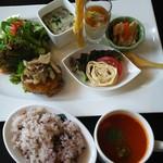 丁田屋 - 野菜たっぷりヘルシーゆばプレート