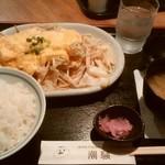 カフェ&レスト 潮騒 - スペシャル肉野菜炒め定食、¥1000。
