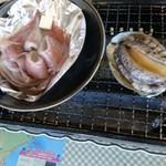 漁港食堂 だいぼ - 浜焼きするめいかバター.アワビ
