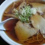 らーめんはちもり - 細麺 大盛りとおにぎりの鮭
