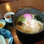 手打ちうどんマコト - 料理写真:なべやきうどん[¥700]