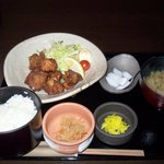 忍庭 - 鶏唐揚げ定食(500円)
