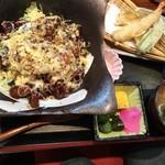 福来路巣 - 天ぷらとみそ汁付き