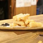 焼とんyaたゆたゆ - 山芋のポテトフライ 480円