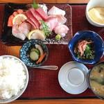 ととまる - 料理写真:お刺身御膳 1550円