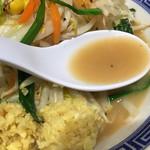トナリ - タンメンのスープ