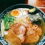 麺工房 隠國 - 塩肩ロースチャーシュー麺(1000円)とくん製玉子(100円)