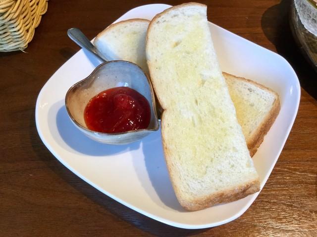 ジャム cafe 可鈴 - 今日はパンでいただきました。