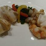 68959133 - 今月の魚料理(海老、白身魚(すずき))