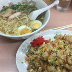 九州中華料理店 - チャーハン¥520