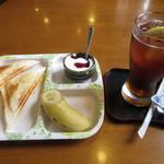 琥珀 - 料理写真:モーニング パンセット 380円 (2017.6)