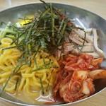 来来亭 - 料理写真:冷麺+キムチ追加トッピング