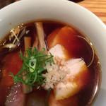 らぁめん鴇 - 生姜中華チャーシュー 煮干しスープは売り切れでカツオ&鶏出汁ベースで。