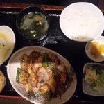 6897658 - 鶏の黒故障炒め定食880円☆