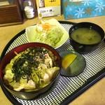 もりもり食堂 - 親子丼(税抜き680円)