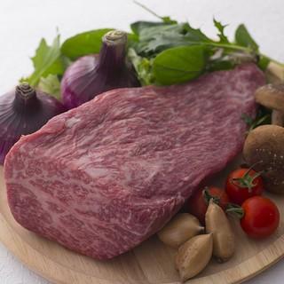野菜だけでなくお肉もしっかりと。バランス良く栄養補給を
