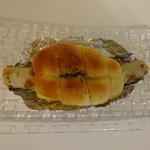 Yuki - ロングなちくわパン