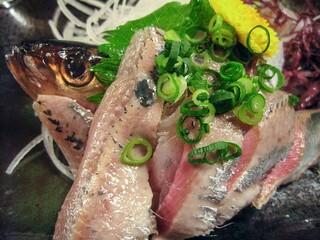 魚料理みうら - イワシの刺身