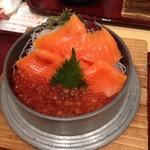 ふく亭 - 銀しゃりいくらとサーモンの親子丼 1940円