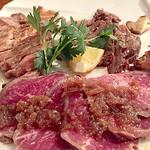 肉バル COMPLETE - お肉の盛り合わせ(2人前)