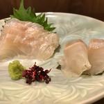 68985263 - 真鯛の昆布〆 黄身辛子醤油と共に @700円税別