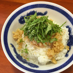 ぶっとび亭 - シソ生姜味玉丼〜(*^▽^*)