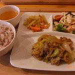 リカフェ - ランチプレート 肉