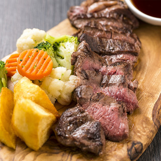 柔らか牛ステーキなど厳選食材を使った飲み放題付プラン◎ご宴会