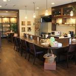 札幌YWCA 壘 - 本に囲まれたステキなカフェです。