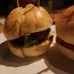 テラ・アウストラリス - ミニハンバーガー。パテの美味しさと言ったら!