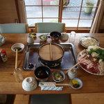 グリーンライフ山林舎 - ボタン鍋(その1)