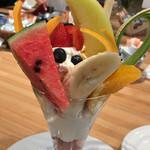 果実園 - ★★★ フルーツはてんこ盛りで美味しいです。アイスは残念な感じでした。