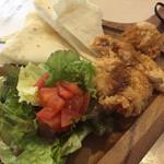 レストラン ティカル - ♪チキンカツとたっぷり野菜のタコス ¥780