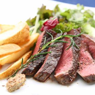◆肉料理◆お肉とラクレットチーズの夜カフェ