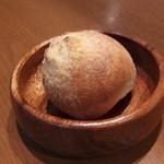 スペッロ - パン 自家製フォカッチャ